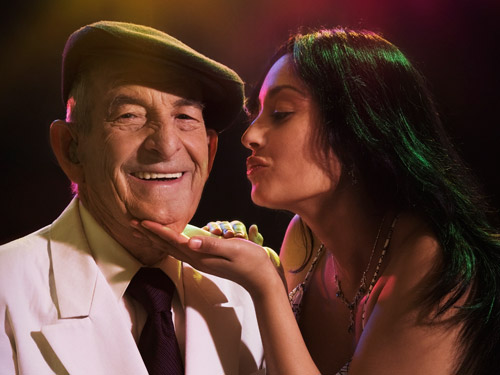 old man flirting with girl Do most older men find younger women attractive do men in their 40s/50s flirt with 19 year old girls.